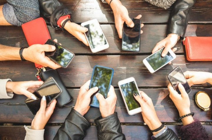 budget smartphones for college students
