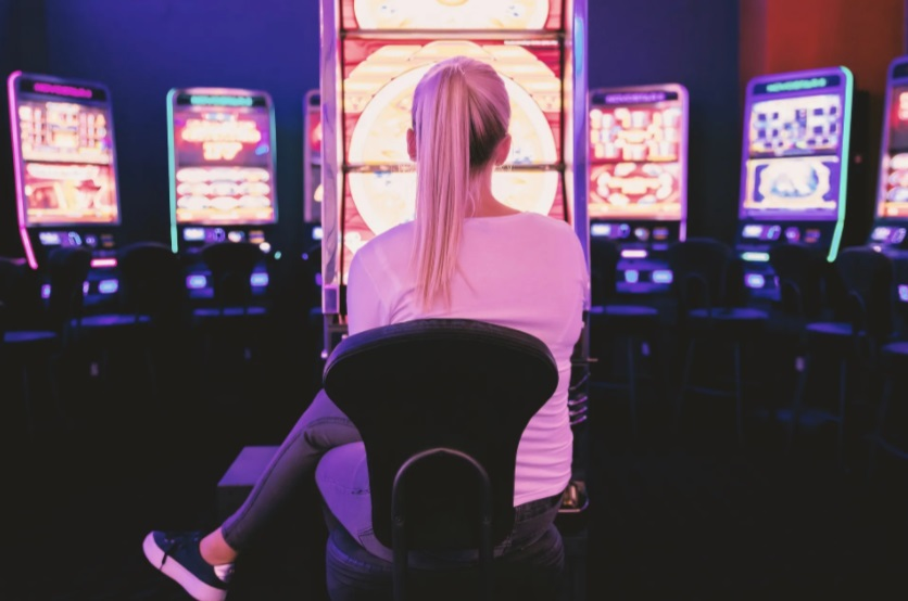 slot games VS jackpot slots